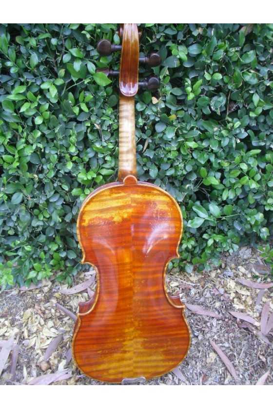 Guarneri del Gesu replica violin